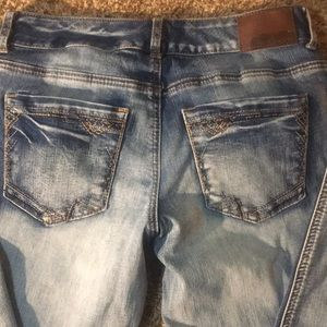 Maurice Distressed stretchy jeans